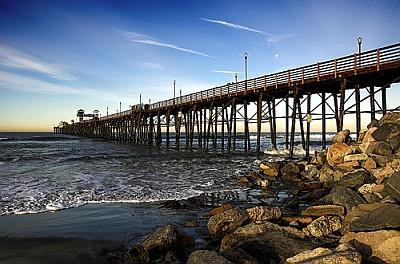 Oceanside pier. 1/250s @ f/8