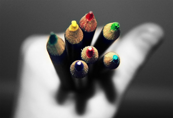 10-pencils-colored-black-and-white-photography