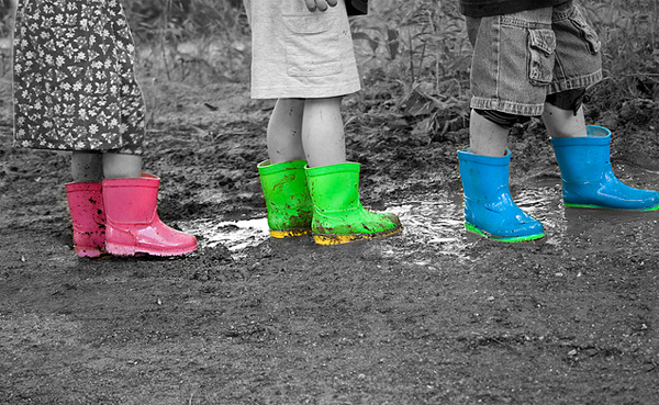 12 kids splash of color black white legs