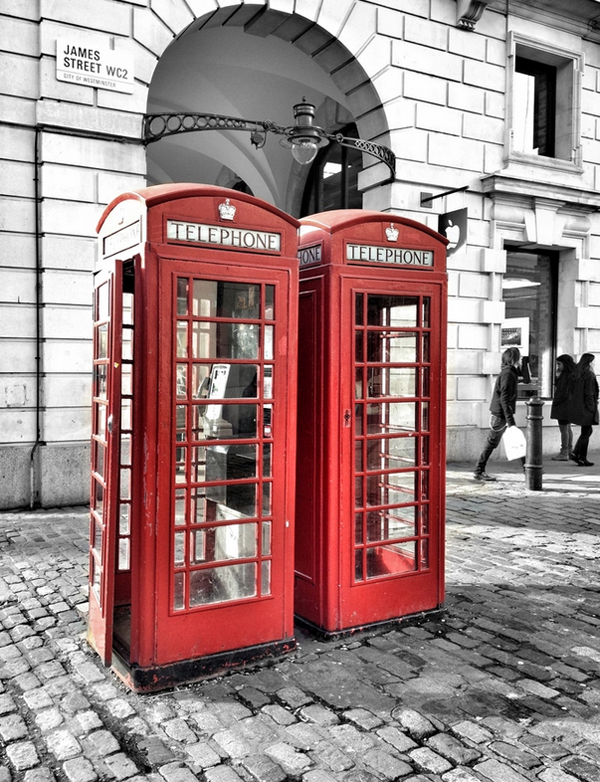 33-red-call-boxes-london
