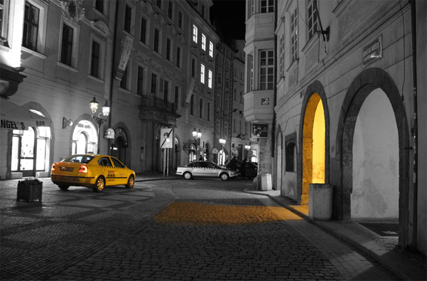 4-black-white-yellow-color-splash-cab