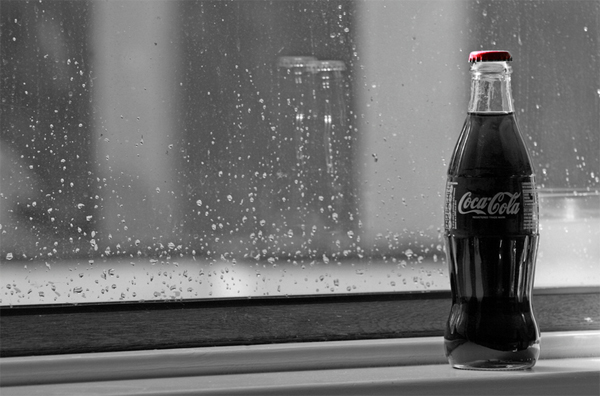 43-coca-cola-window-black-white-red