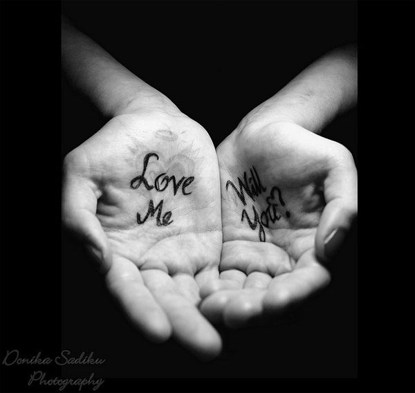 Black and white photography: love me, will you?