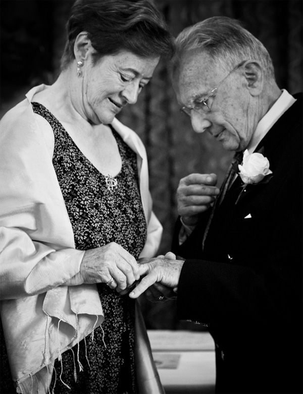 Black and white photography: aged couple in love