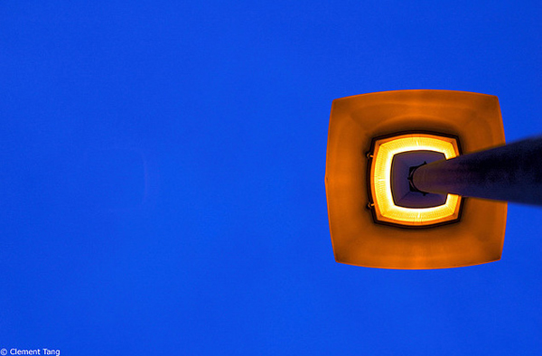 minimalist photography: street lamp
