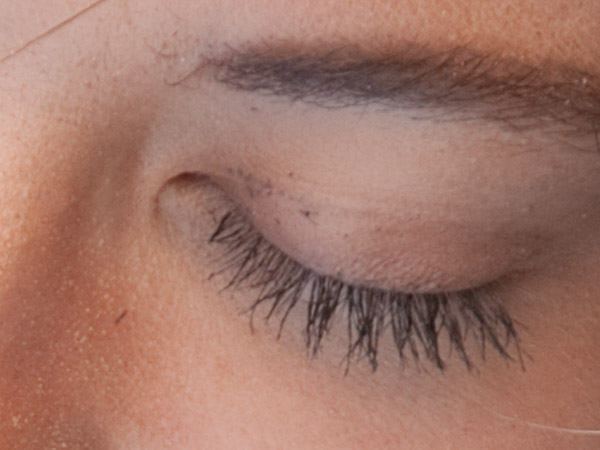 makeup mascara dot smudge