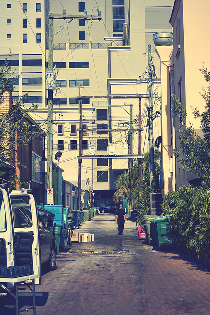 Alleyway photos tend to be gritty and grungy.