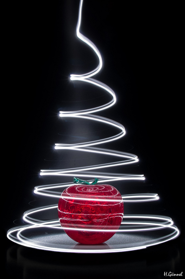 100 smashing examples of light painting photography for Photography ideas to do at home
