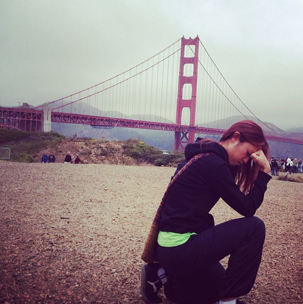 Tebowing at the Golden Gate Bridge by daphne 139