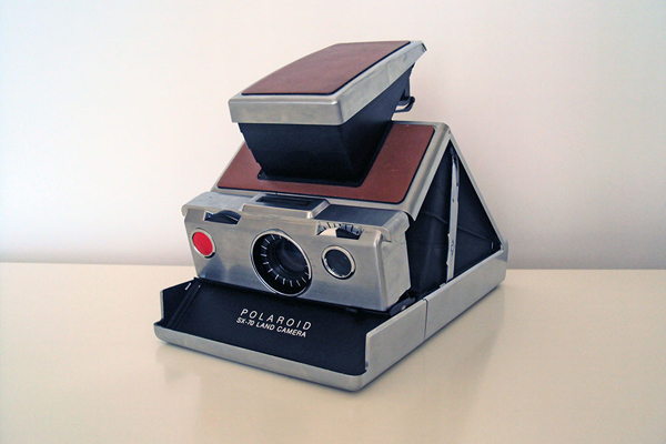 SX-70 camera - Polarismus.com