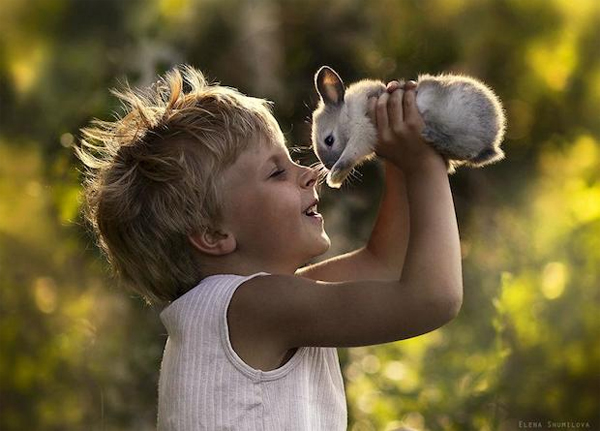 3-kids-animals-Elena-Shumilova-phootgraphy
