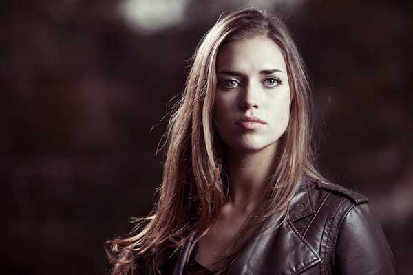 how to use strobe lighting for portrait photography