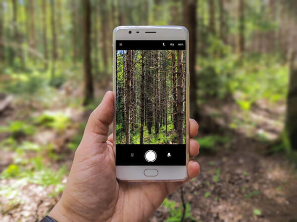 pick-the-best-camera-for-your-photography-needs-cellphone-camera